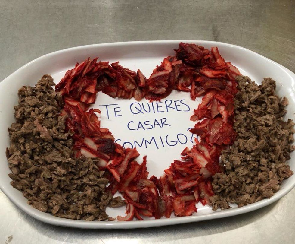 Propuesta de matrimonio en taquería se vuelve viral | El Imparcial de Oaxaca
