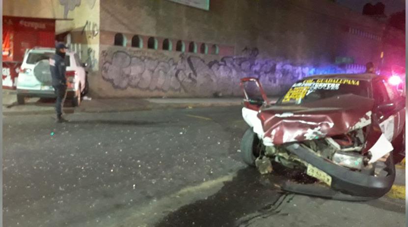 Colisiona taxi foráneo contra camioneta en la colonia Reforma, Oaxaca | El Imparcial de Oaxaca