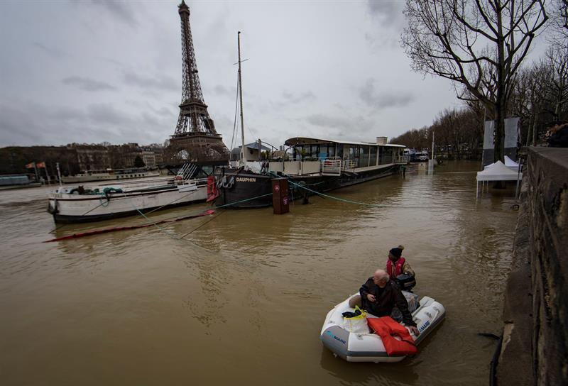 Inundaciones amenazan París; cierran carreteras y túneles   El Imparcial de Oaxaca