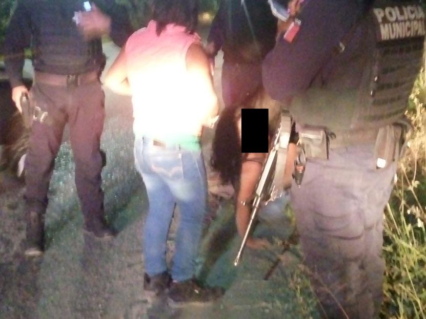 Se disputan romance en plena calle y arman escándalo en Camino Antiguo al Sabino, Oaxaca | El Imparcial de Oaxaca