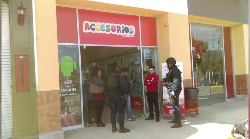 Video: Mototaxistas dan paliza a empleado de Centralcell en Plaza Bella Oaxaca | El Imparcial de Oaxaca