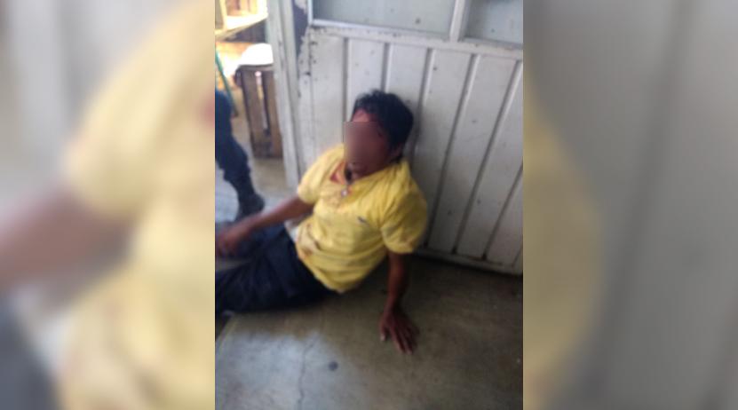 Dan brutal paliza a señalado de robar celular en Central de Abasto de Oaxaca | El Imparcial de Oaxaca