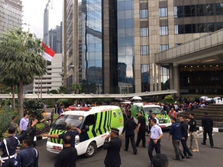 75 muertos en derrumbe en la bolsa de Yakarta   El Imparcial de Oaxaca