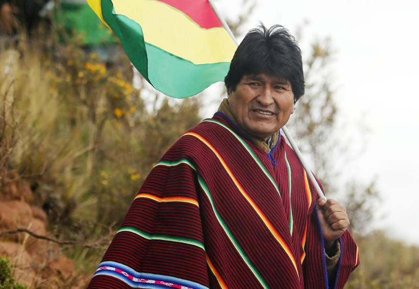 Alumnos hacen uso 'diabólico' de celulares en escuelas: Evo Morales | El Imparcial de Oaxaca