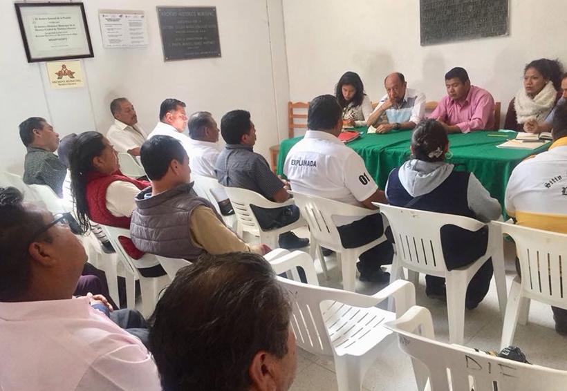 En Tlaxiaco fijan postura taxistas  en no más concesiones | El Imparcial de Oaxaca
