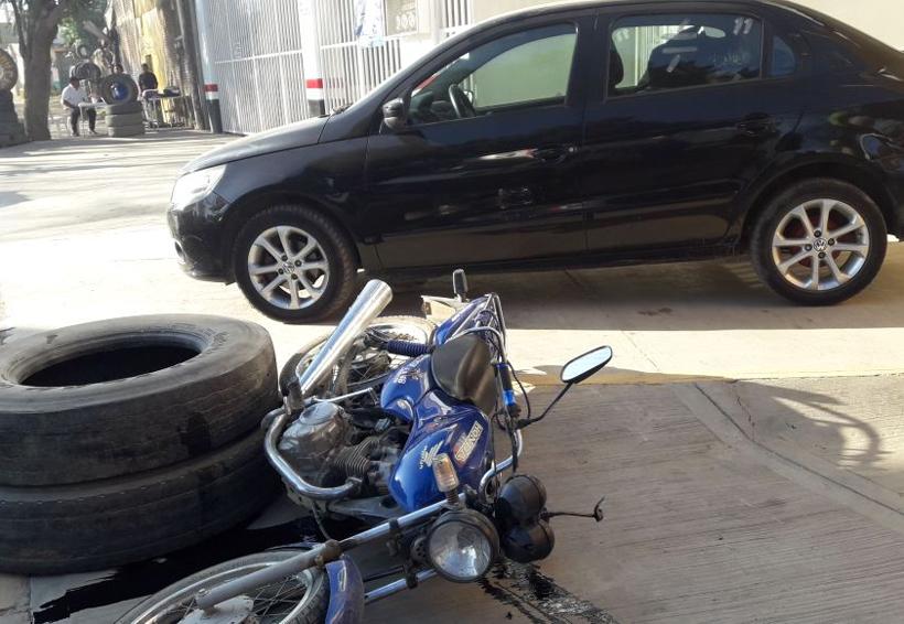 Camionero a exceso de velocidad arrolla a motociclista en Oaxaca   El Imparcial de Oaxaca
