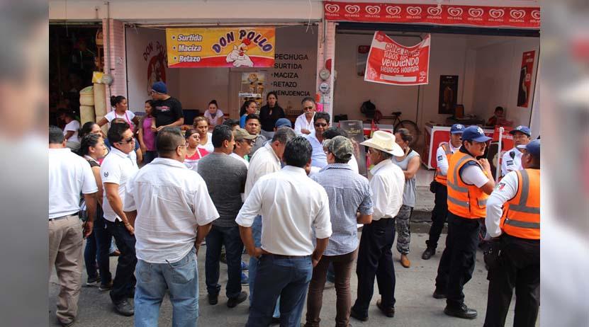 Taxistas provocan cierre de calles en Huajuapan | El Imparcial de Oaxaca