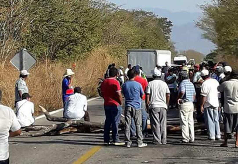Pobladores  del Istmo bloquean para  exigir obras   El Imparcial de Oaxaca