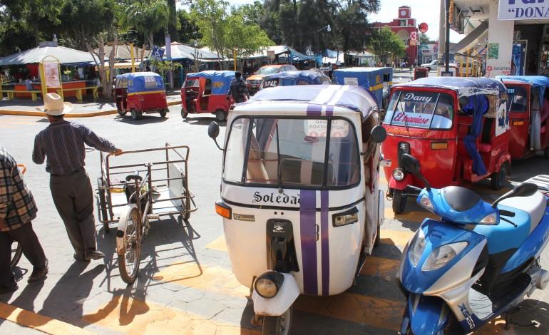"Mototaxistas en Oaxaca, exigen a Sevitra retirar a ""piratas""   El Imparcial de Oaxaca"