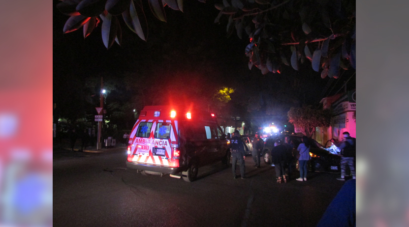 ¡Aparatoso accidente en la colonia Reforma!   El Imparcial de Oaxaca