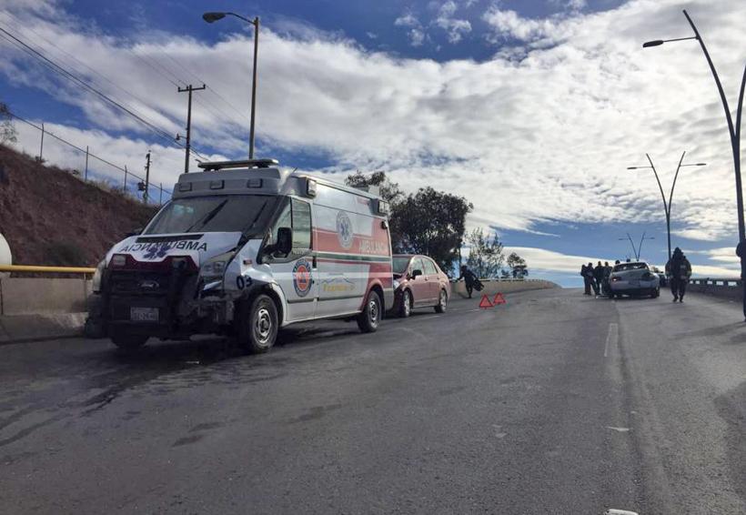 Ambulancia provoca carambola | El Imparcial de Oaxaca