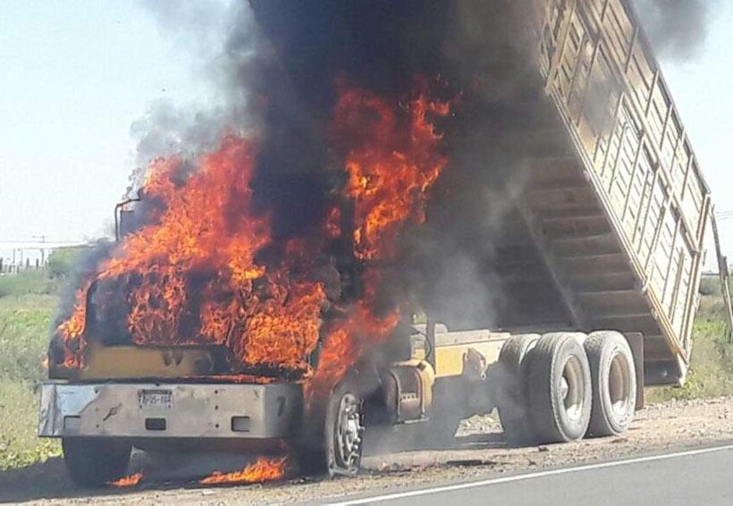 Se incendia camión por cortocircuito | El Imparcial de Oaxaca