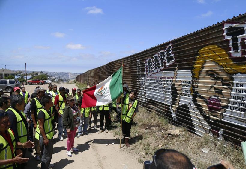 La próxima semana Trump acudirá a la frontera con México para revisar prototipos de muro | El Imparcial de Oaxaca