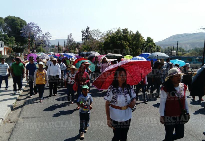 También en Huajuapan, marcha S-22 contra evaluación docente | El Imparcial de Oaxaca