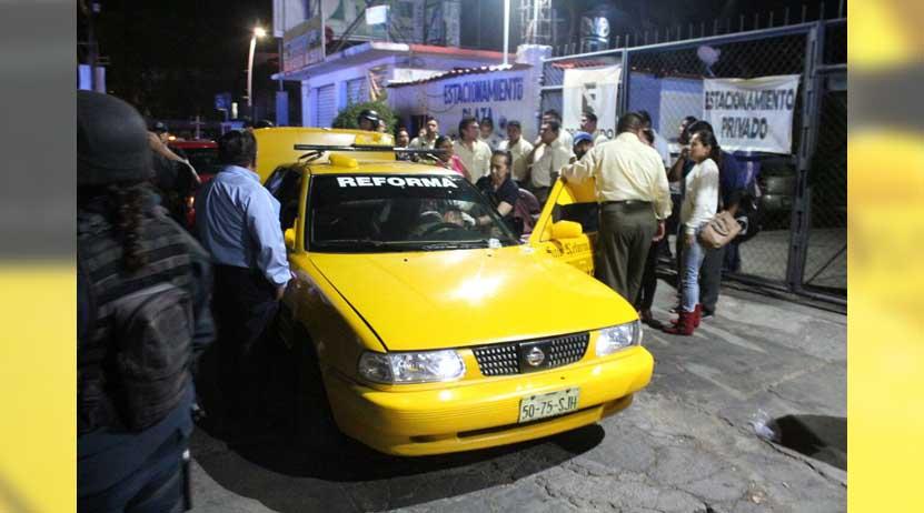 Taxistas protagonizan escándalo por pasaje en la calzada Héroes de Chapultepec | El Imparcial de Oaxaca