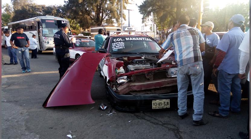 Carambola de autos en San Antonio de la Cal: cuatro lesionados | El Imparcial de Oaxaca