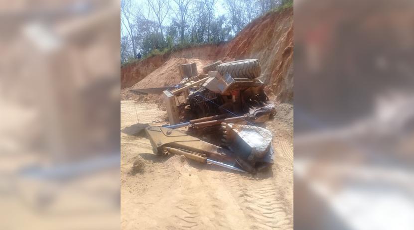 Retroexcavadora vuelca y lo mata en Jamiltepec | El Imparcial de Oaxaca