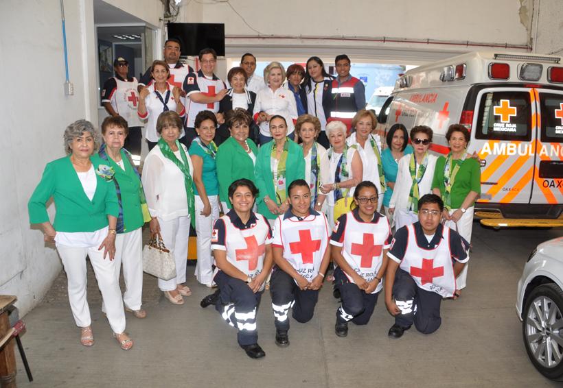 Donan equipo médico a la Cruz Roja | El Imparcial de Oaxaca
