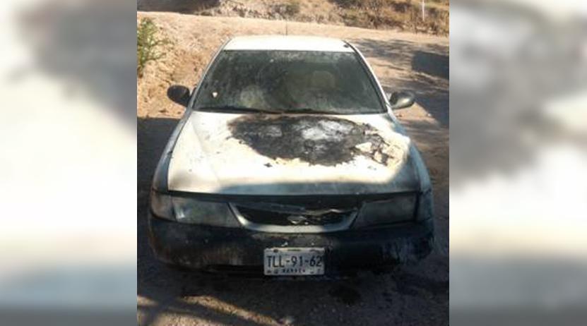 Iba manejando cando su auto empieza a quemarse en agencia de Huajuapan, Oaxaca | El Imparcial de Oaxaca