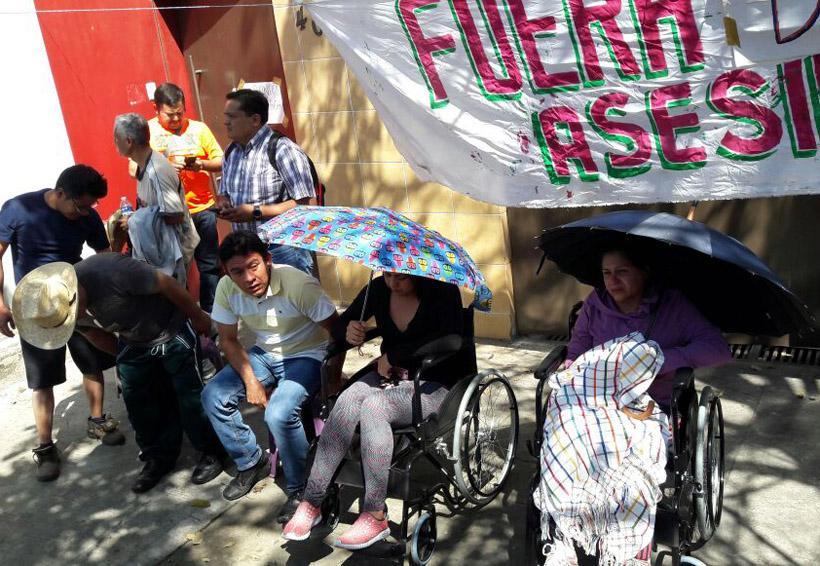 Acusan docentes a funcionario del IEEPO  de rociarles ácido   El Imparcial de Oaxaca
