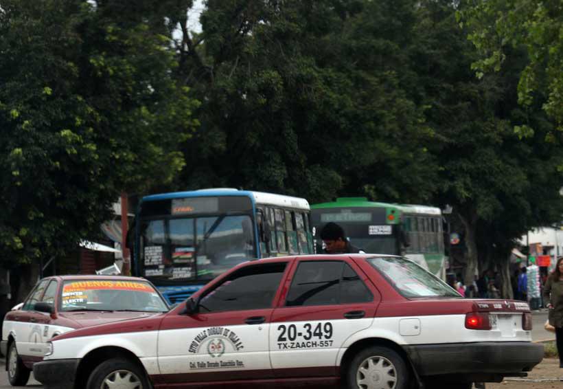 Velan armas, taxistas  de Etla; acusan  invasión de rutas | El Imparcial de Oaxaca
