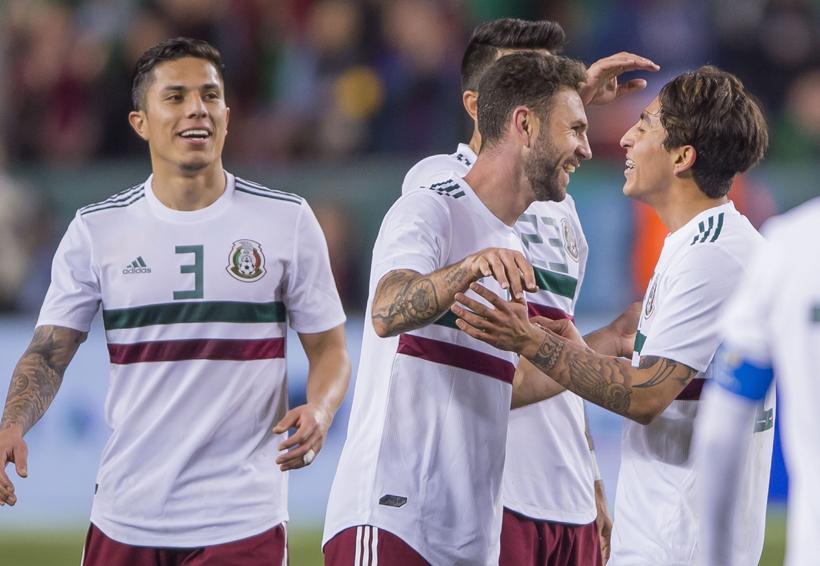 México vence a Islandia 3-0; doblete de Layun | El Imparcial de Oaxaca