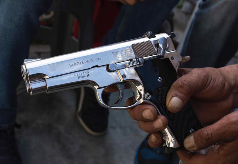 Sorprenden a menor con pistola y 10 cartuchos en una escuela   El Imparcial de Oaxaca