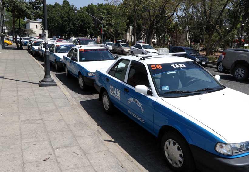 Exigen a Sevitra aplicar extinción de dominio a taxis pirata en Oaxaca | El Imparcial de Oaxaca