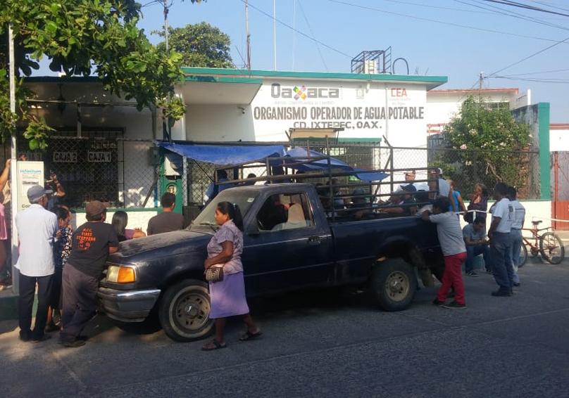 Vecinos se manifiestan por escasez de agua potable en Ciudad Ixtepec, Oaxaca | El Imparcial de Oaxaca
