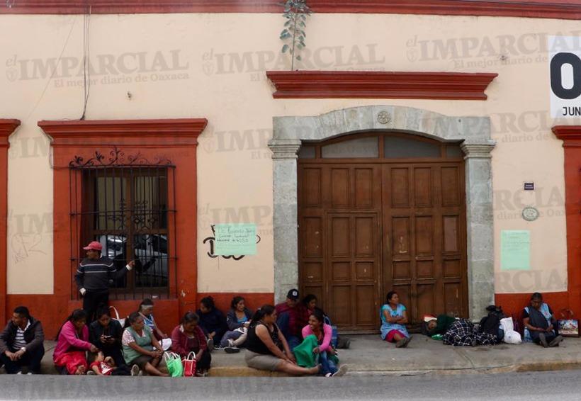 Protestan en los Servicios de Salud de Oaxaca por falta de medicamento | El Imparcial de Oaxaca