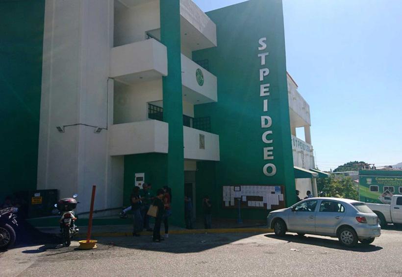Burócratas de Oaxaca reciben aumento salarial de 4.2 % | El Imparcial de Oaxaca