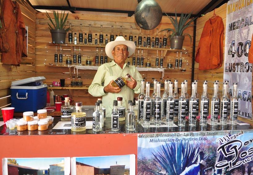 Mezcaleros no quieren a productores de cerveza en Feria del Mezcal | El Imparcial de Oaxaca