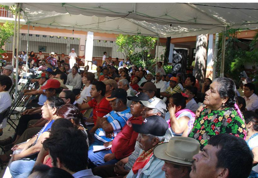 Abandonan a pueblos de Oaxaca por promover consulta indígena | El Imparcial de Oaxaca