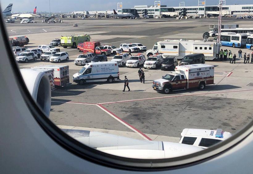 Avión de Emirates pasa horas en cuarentena en Nueva York tras caer enfermos varios pasajeros | El Imparcial de Oaxaca