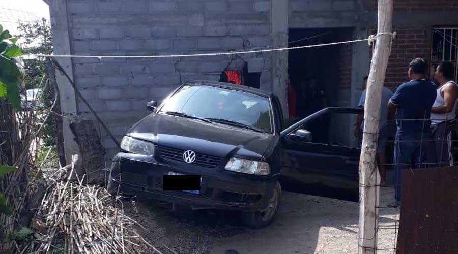 Se impacta vehículo contra domicilio en Juchitán | El Imparcial de Oaxaca