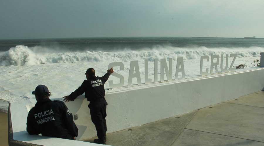 Mar de fondo golpea playas de Salina Cruz, Oaxaca | El Imparcial de Oaxaca