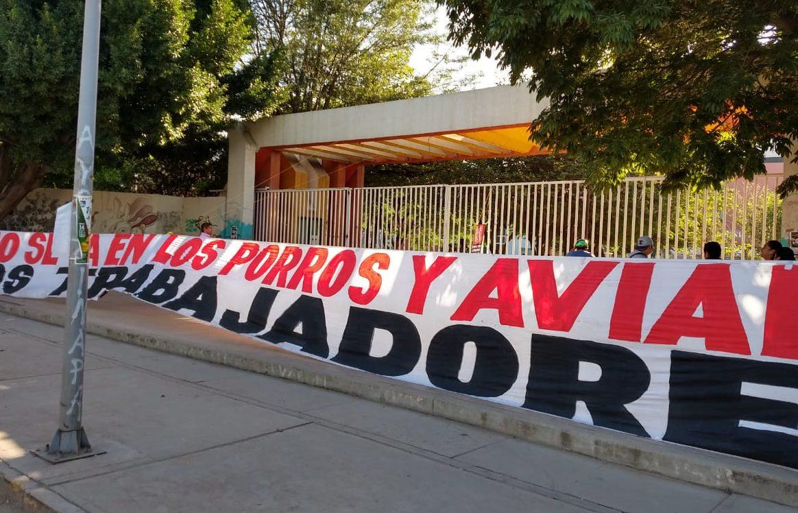 STEUABJO cierra CU por bono de dos por ciento | El Imparcial de Oaxaca