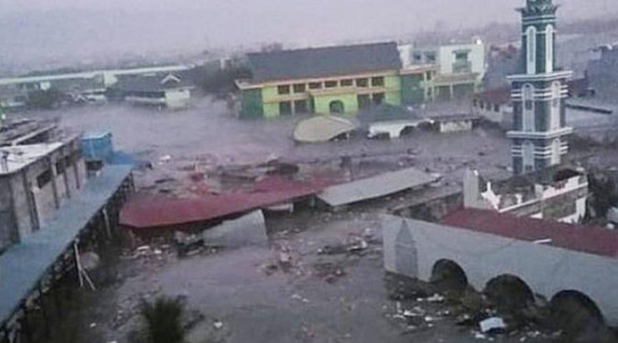 Captan momento en que pescadores huyen del tsunami en Indonesia | El Imparcial de Oaxaca