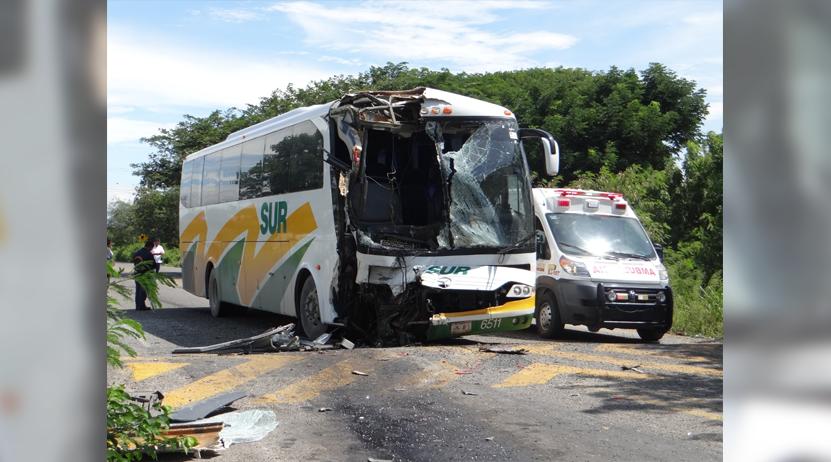 Autobús de la línea Sur embiste a un ómnibus en el Istmo   El Imparcial de Oaxaca