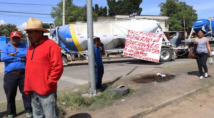 Irritación y molestia por bloqueo de habitantes de la agencia Vicente Guerrero   El Imparcial de Oaxaca