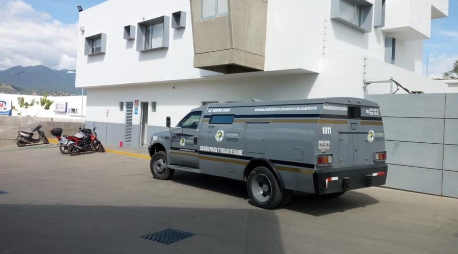 Guardia de traslados accionó accidentalmente su arma   El Imparcial de Oaxaca