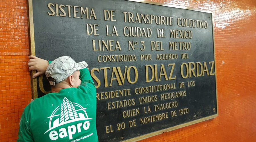Gobierno de CDMX retira del Metro placas con el nombre de Díaz Ordaz   El Imparcial de Oaxaca
