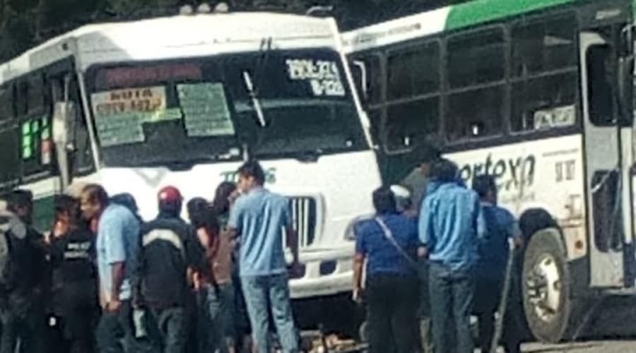 Urbanero  atropella a diablero en la Central de Abasto | El Imparcial de Oaxaca