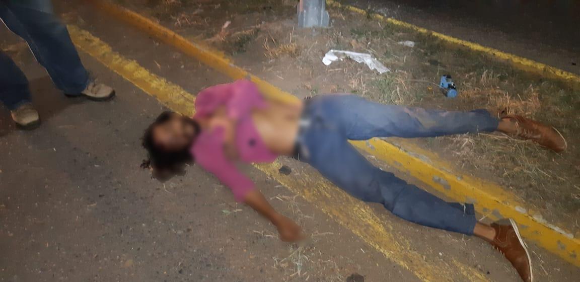Fallece motociclista tras caer de su vehiculo en el crucero de Tlalixtac | El Imparcial de Oaxaca