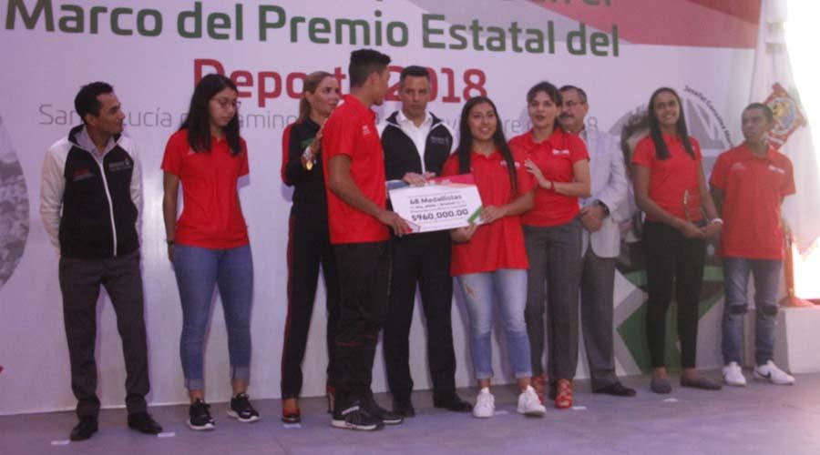 Conviven autoridades estatales con deportistas oaxaqueños | El Imparcial de Oaxaca