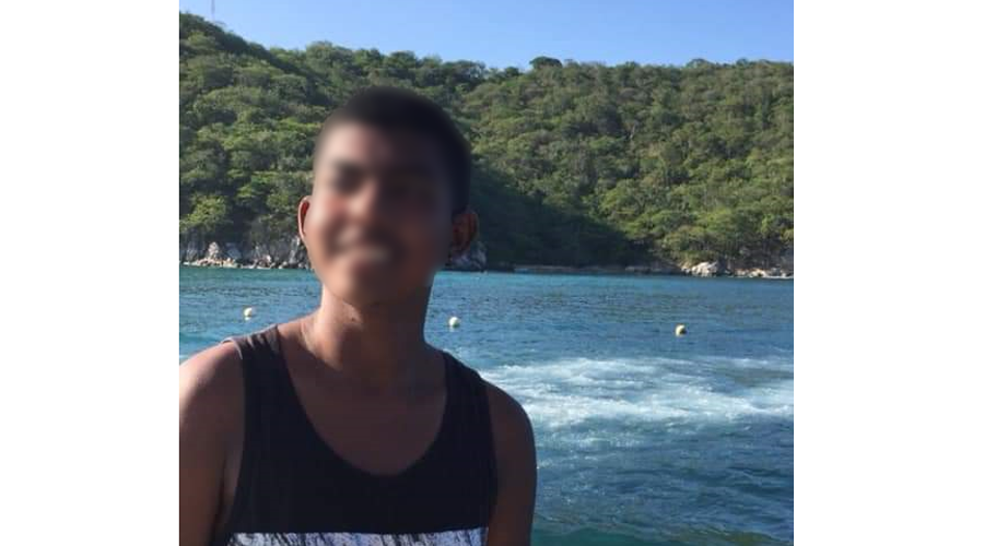 Lanchero de Huatulco rescata a bañista a punto de morir ahogado   El Imparcial de Oaxaca
