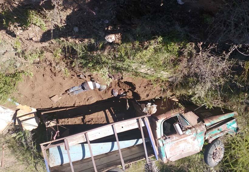 ¡Volcadura mortal en Camino a Díaz Ordaz!   El Imparcial de Oaxaca