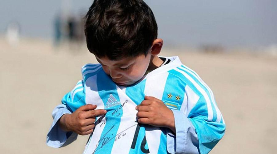 Tras conocer a Messi, niño huye de Afganistán por amenazas | El Imparcial de Oaxaca
