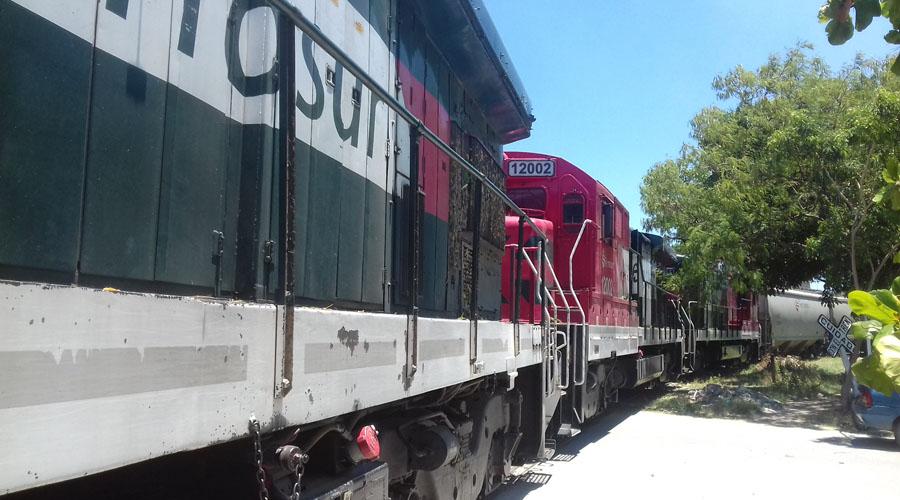 Familias del Istmo invaden derecho de vía del tren   El Imparcial de Oaxaca