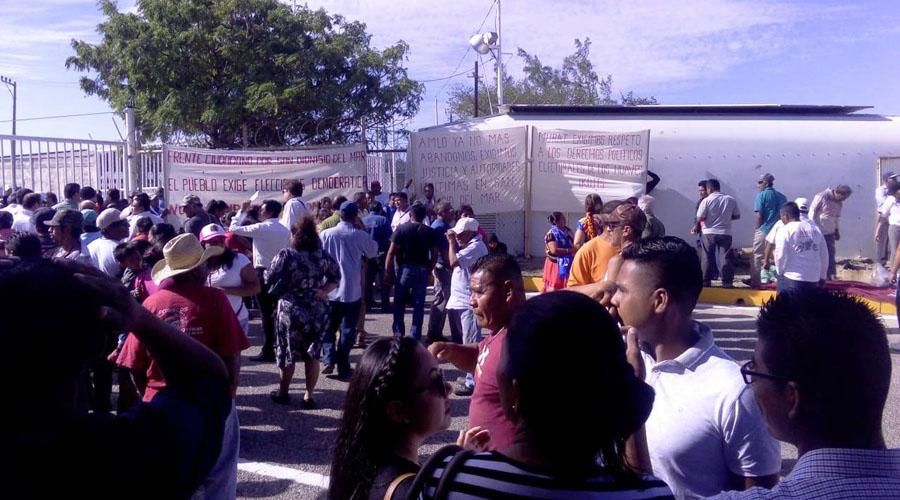 Pobladores  de San Dionisio del Mar exigen elecciones transparentes | El Imparcial de Oaxaca